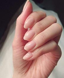 ネイル 綺麗な手.jpg